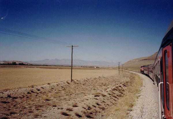 На поезде по Анатолии ( центр Турции )