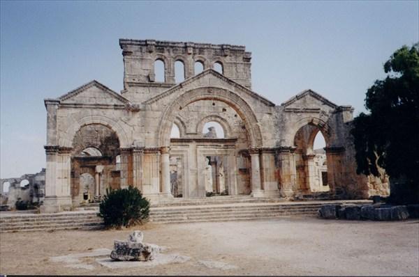 Развалины в окрестностях Алеппо