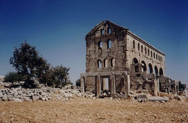 на фото: Сирийские развалины