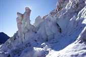 Ледовые скульптуры на леднике Менсу