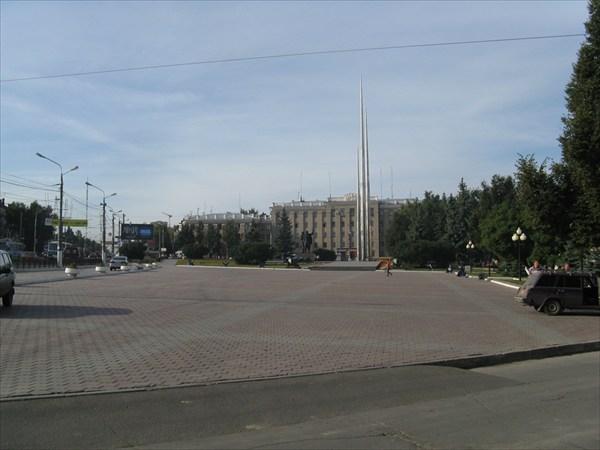 """Одна из площадей Тулы. Слева гостиница """"Тула"""""""