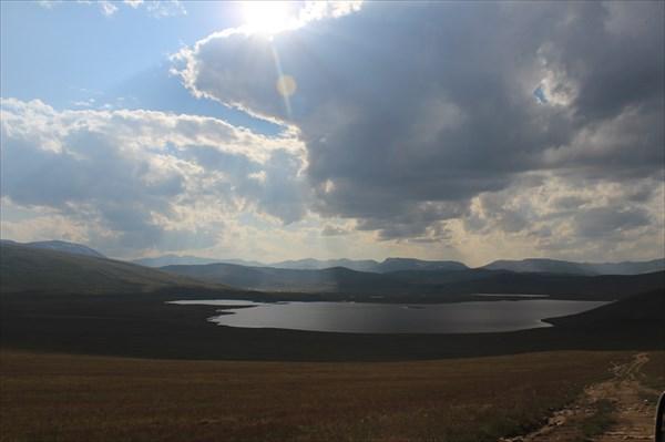 Безыменное озеро в районе реки Тыскыл
