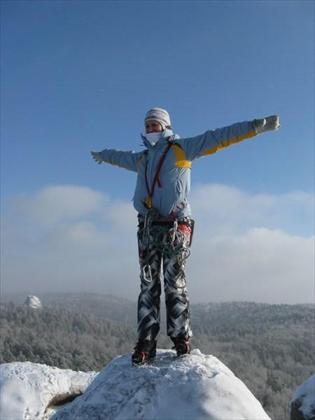"""Это я! Балуюсь на вершине: """"У-ууу! Полечу!"""")))"""
