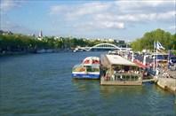 Сена тоже для туристов