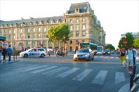 Площадь напротив собора Нотр Дам