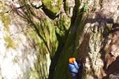 Спуск в пещеру Дублянского
