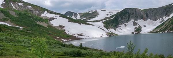 Панорама перевала Караташский