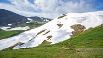 Снежник с седловины перевала Караташский