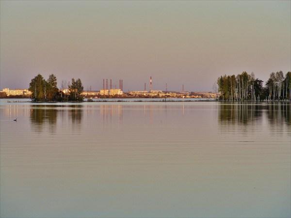 Тмшина на озере.