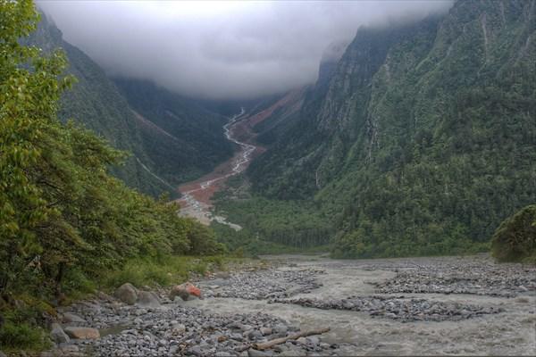 Еще одна долина с красными камнями