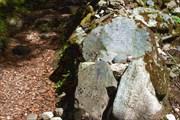 Камни с молитвами