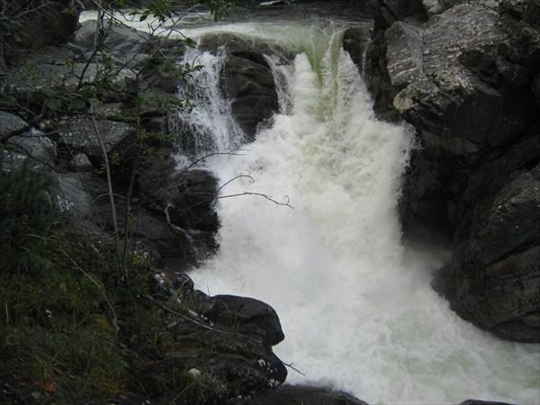 Водопад на Сыни