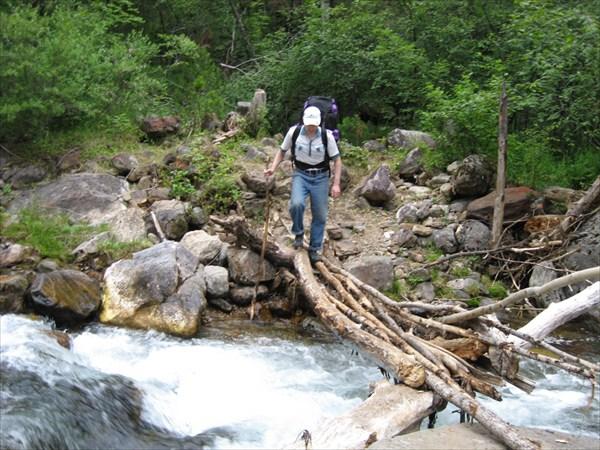 Одна из 14 переправ на реке Слюдянке