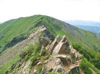 Последняя группа скал перед вершиной-Иркутская область