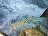 Вода как будто замерзла