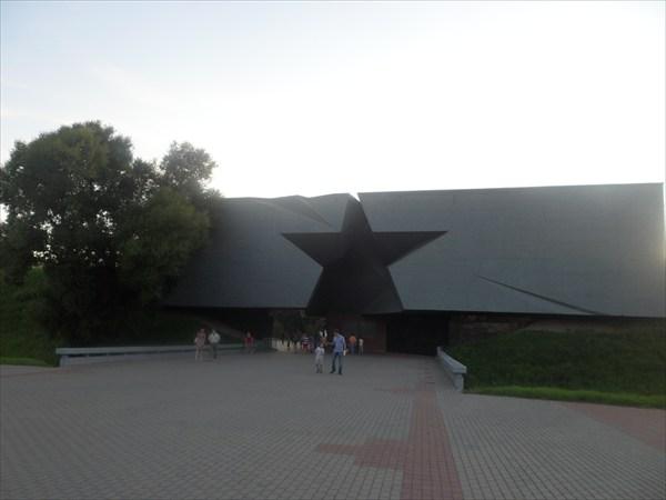 """Вход в мемориал """"Брестская Крепость"""""""