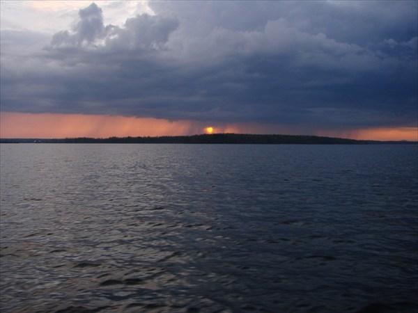 Закат на Онежском