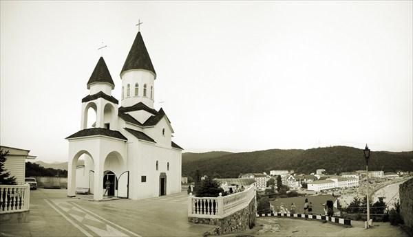Православный храм в Новомихайловском