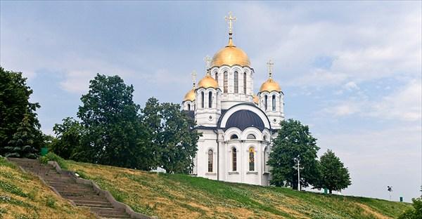 Храм памятник в честь великомученика Георгия Победоносца