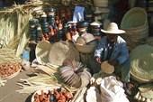 Продавец важных вещей на рынке в Эритрейской столице - Асмаре