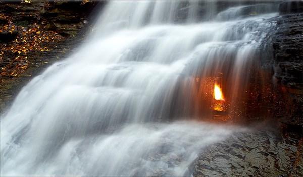 Eternal_flame_fall