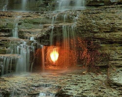 Eternal_flame_falls