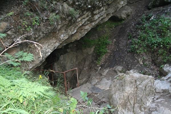 Вход в Новомурадымовскую пещеру