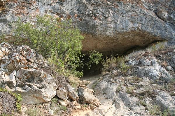 Голубиная пещера. Вид с входа
