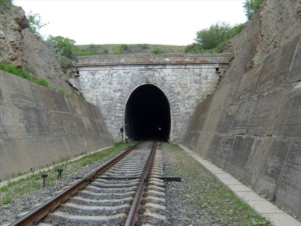 Глафировский тоннель, Луганская обл.