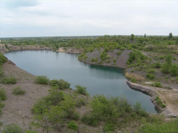 Бирюзовое озеро в с. Волнухино, Луганская обл.