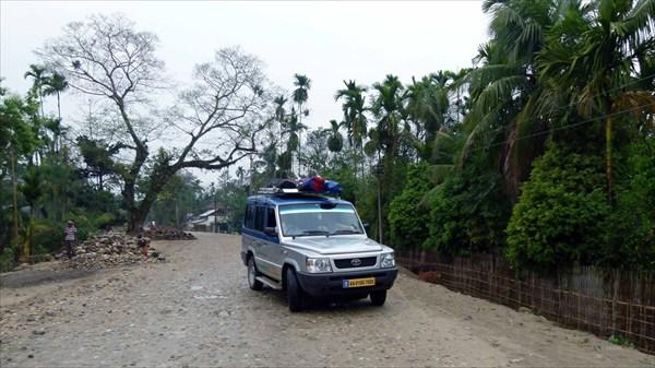 По дороге в Бхалукпонг