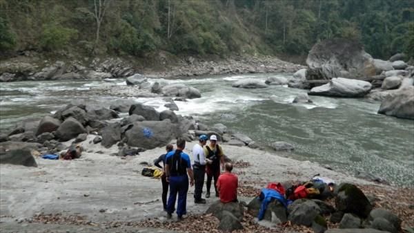 Река Каменг (стрелка с правым притоком Пачук)