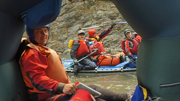 Река Каменг (рафтеры)