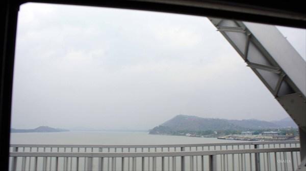 По дороге в Гаухати. Мост через брахмапутру.