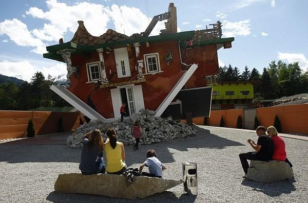 Upside-Down-House-Terfens-Austria