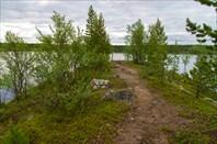 Мыс на озере каменистом
