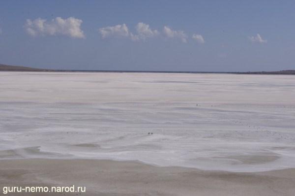 Соляная корка озера Чокрак