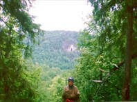 Вид от входа в пещеру Киндерлинская