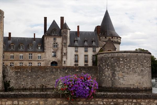 174.Sully-sur-Loire