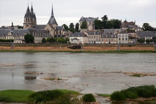293.Blois