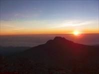 Рассвет над Мавензи (вид с Килиманджаро)