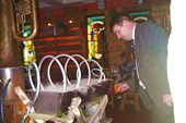 У `самогонного аппарата` в ресторане `Мышеловка`