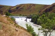 Плотина на реке Лепсы
