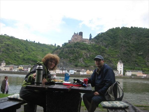 Кофе с видом на замок