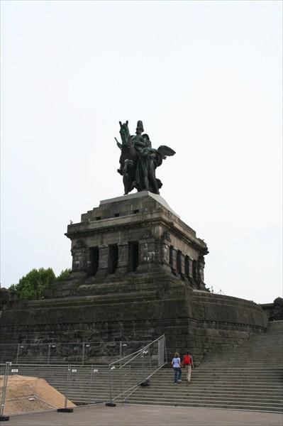"""Статуя кайзера Вильгельма I на """"Немецком носу"""" в Кобленце"""