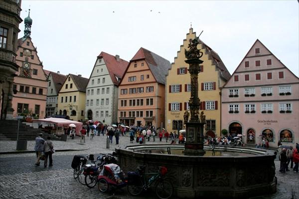 Роттенбург: ратхаус, марктплатц, фонтан.