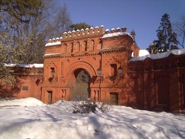 на фото: Крепость