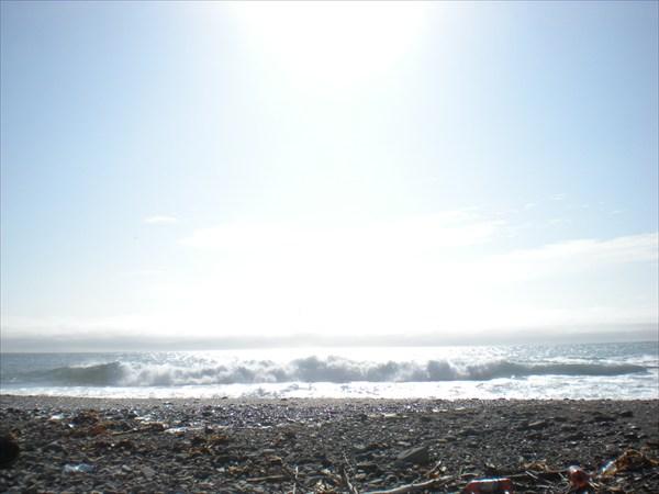 Утро. Южный ветер, но как выходить в такие волны?