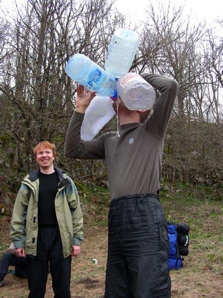 В пъянке замечен не был, но утром жадно пил холодную воду...