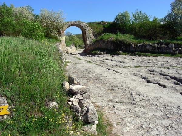 Пещерные ворота